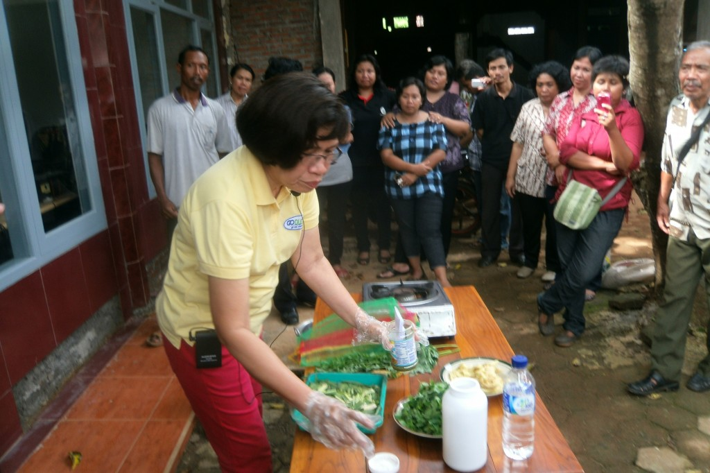 Moringa tea demonstration